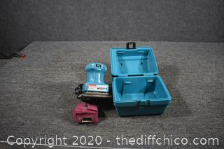Makita Working Finish Sander w/case