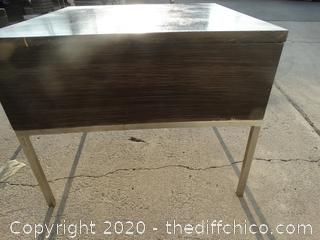 "End Table - 26"" x 26"" x 21.5"""