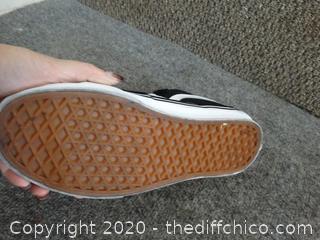 New VANS Shoes mens 6 womens 7.5