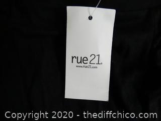 Rue 21 Ruffle Slit Skirt med