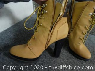 Womens Boots 8.5