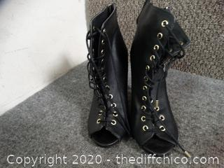 DollHouse Lace Up Boots 7.5