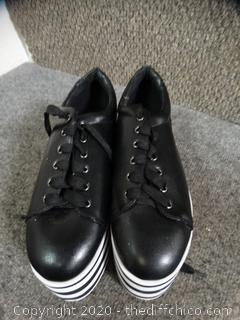 Hot Topic Shoes 8med