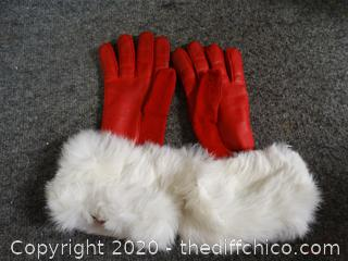 Red Gloves With Fur