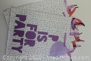 """LOT OF 20! GIFT BAGS 13""""X10.25""""X6.4"""" SEE PHOTOS NEW"""