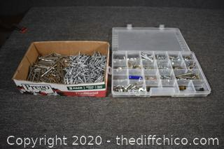 Organizer plus Contents and Nails