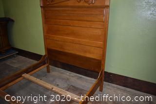 Vintage American Oak Bed