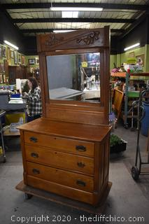 Vintage Oak Dresser w/mirror