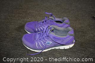 Sketchers Tennis Shoes size 8 1/2