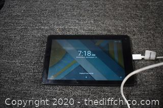 RCA Voyager 3 Tablet w/cord - powers up