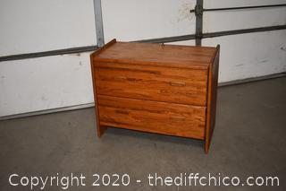 File Cabinet w/key