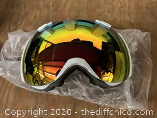 Winterial Globe Ski and Snowboard Goggles - White (J18)