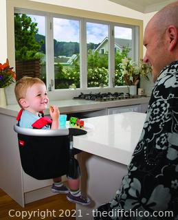 ($89.99) phil&teds Lobster Clip-On Highchair, Black – Award Winning Portable High Chair – Includes Carry Bag and Dishwasher Safe Tray – Hygienic and Easy Clean – Safe and Secure – Ideal For Home and Travel
