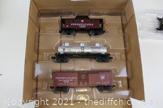 ($263) Lionel Trains Pennsylvania Flyer Bluetooth 8-0 Freight Locomotive Train Set
