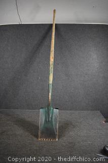 60in  1/2in long Roofing Shovel