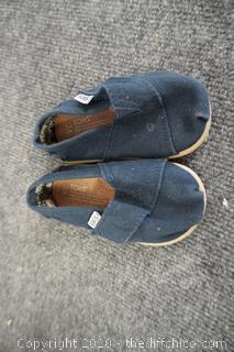 Infant Tom shoes