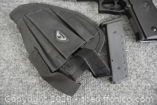 Air Soft Gun Works With Holster