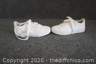 White Puma Shoes Size 7.5
