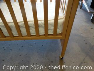 Rolling Crib With Mattress