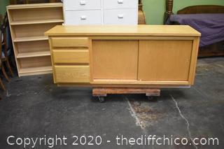 Cabinet w/3 Drawers plus additional storage