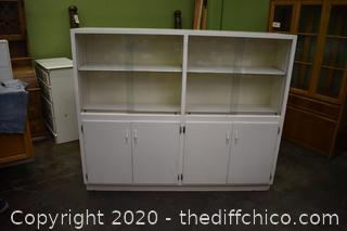 Display Cabinet w/adjustable shelves