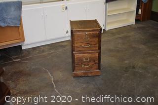 2 Drawer Oak File Cabinet w/key