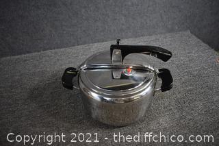Aeternum Italian Pressure Cooker