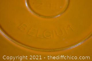 Cast Iron Belgium Pot w/lid - 16  2-H