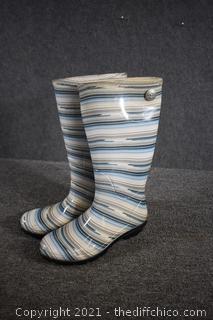 UGG Rain Boots - size 7