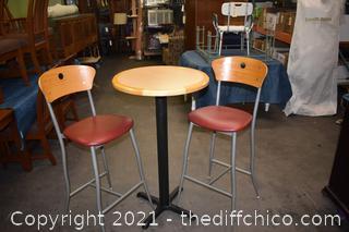 Pub Table plus 2 Stools