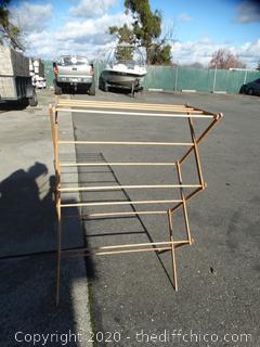 Adjustable Fold-Up Wooden Quilt Rack