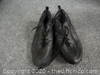 Robbie Cuddler´s Shoes - Size 6