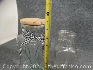 2 Decretive Jars