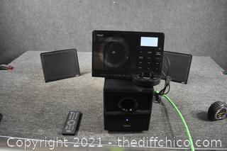 Teac IPhod / CD Player with NXT Speakers and Remote-Powers Up
