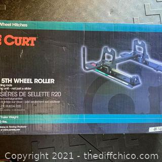 NEW ($559) CURT R20 5th Wheel Roller - 20,000-Lb. Capacity, Model# 16550