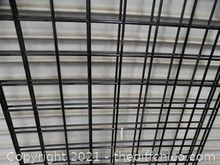 2 Pieces Of Fence Grid Panels 8 ' X 2'