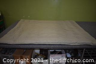 Down Comforter-green