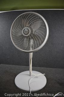 Working Lasko 21in dia Osculating Fan