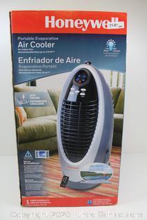 Honeywell CS10EX 4-Speed Swamp Fan & Humidifier Air Cooler 300 CFM