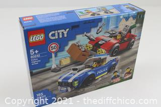 NEW LEGO CITY 60242 Police Highway Arrest 185 Pcs