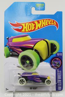 2015  Hot Wheels FBH99 TRU Exclusive HW Glow Wheels RIP ROD Purple w/Glow Wheels