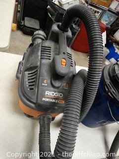 Ridgid 4 Gallon 5 HP Portable Vacuum With Attachments wks