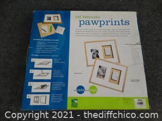 NEW Paw Prints Keepsake