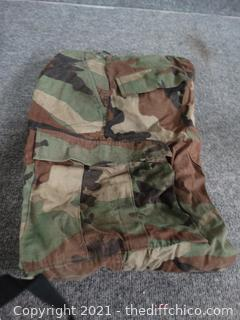 "Army Adjustable Pants Small inseam 29 1/2"" to 32 1/2"" Waist 27 -31"""