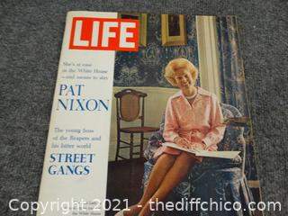Pat Nixon Life Magazine Aug 25, 1972