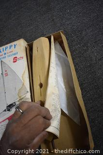 Un-assembled Skippy Sailboat Model w/box