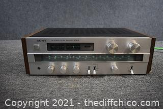 Sony AM/FM Receiver-powers up