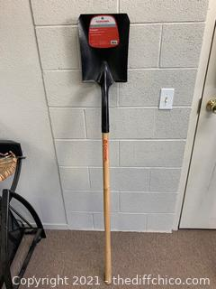 Corona #2 Square Point Wood Shovel (J37)