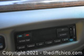 2004 Ford Crown Victoria - LX Vehicle