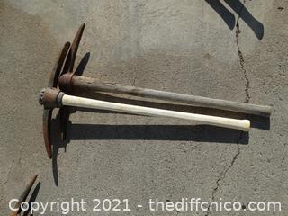 2 Digging Forks